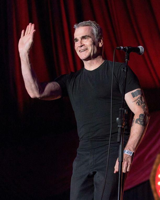 Henry Rollins tunnetaan muun muassa laulajana sekä spoken word -artistina ja poliittisena vaikuttajana.