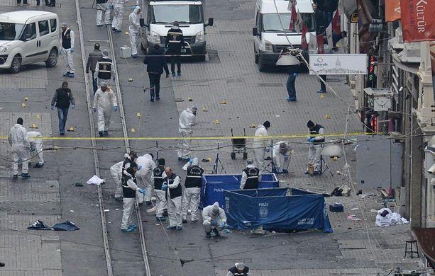 Maaliskuussa räjähti Istiklal-kadulla Istanbulissa. Neljä ihmistä kuoli.