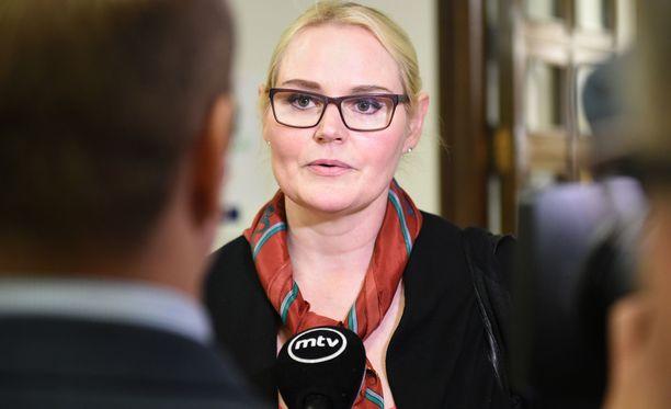 Veera Ruoho kertoo IS:lle, että jäseniä houkutellaan takaisin myös sanomalla, että Halla-aho on ääniveturi joka tapauksessa.