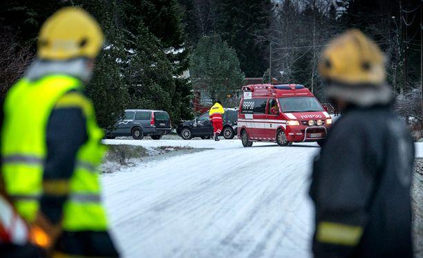 Autopommi räjähti Korsnäsin keskustassa sijaitsevan rivitalon autokatoksessa joulukuisena aamuna. Pommi oli asennettu autoon.