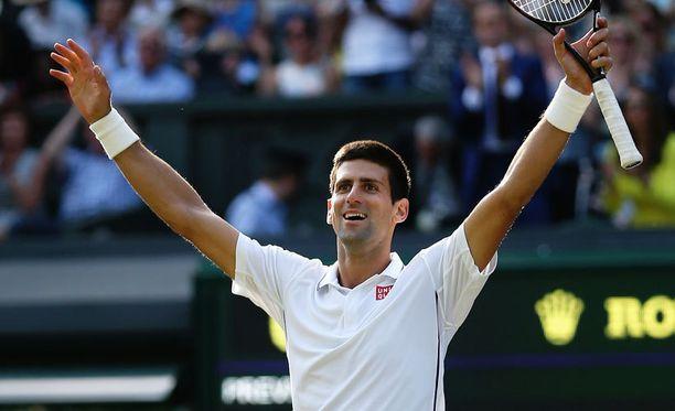 Djokovic juhli uransa toista Wimbledonin mestaruutta.