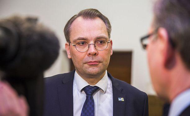 Puolustusministeri Niinistö ei usko, että Venäjällä on vaikeuksia ymmärtää JEFin kaltaista puolustusyhteistyötä.
