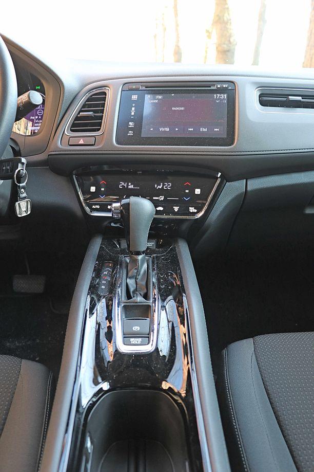 Portaaton automaattivaihteisto on nopea, mutta moottorin ääni kiihtyy nopeammin kuin auto - tai siltä tuntuu.