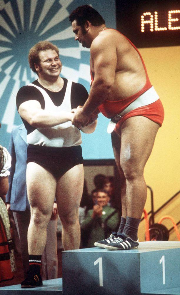 Rudolf Mangin (vasemmalla) ja Vasili Aleksejevin kohtaamiset olivat erittäin seurattuja ja suosittuja.