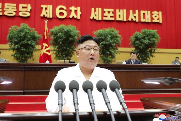 Kim Jong-un puhui tiistaina työväenpuolueensa aktiiveille Pjongjangissa.
