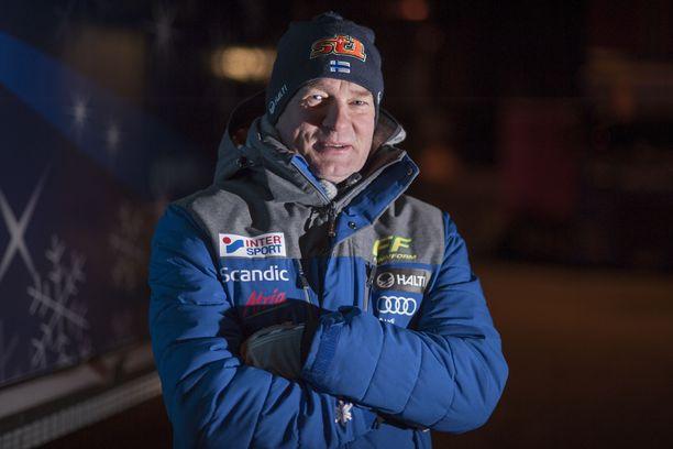 Matti Haavisto toimii ensimmäistä kauttaan Suomen päävalmentajana. Aiemmin hän oli huoltopäällikkö.