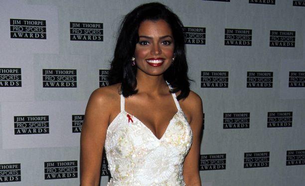 Smith oli useiden kauneuskisojen tuomarina vuoden 1995 voittonsa jälkeen.