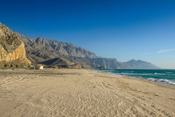 Omanista löytyy kauniita rantoja.