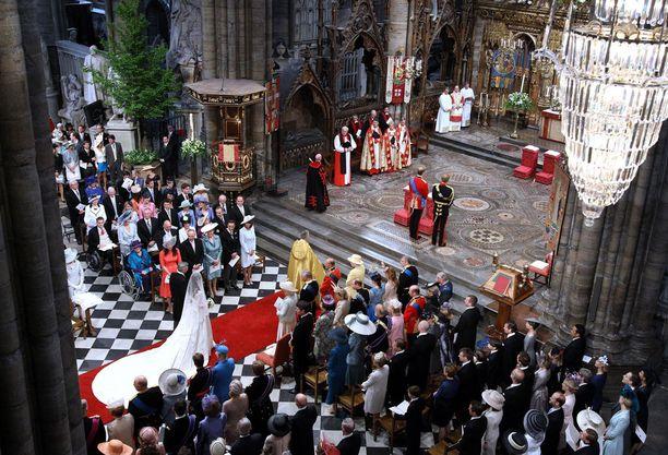 Westminster Abbey on ollut perinteinen kruunajaiskirkko vuodesta 1066. Häitä siellä on vietetty vasta joinakin vuosina.