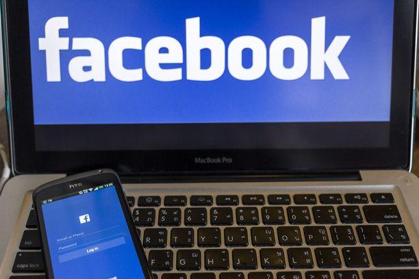 Mikäli Facebookista on kirjautunut ulos, sinne ei pääse tällä hetkellä sisään.