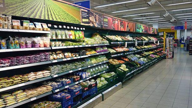 Terveysvalvonta on tehnyt kauppaan vuodesta 2005 alkaen 20 tarkastusta lain noudattamisen valvomiseksi. Lähes jokaisessa tarkastuksessa myymälästä tai varastotiloista on paljastunut vanhentuneita elintarvikkeita. Kuvituskuva.