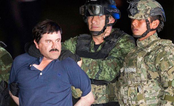"""Joaquin """"El Chapo"""" Guzman tarkassa vartioinnissa perjantaina 8. tammikuuta."""