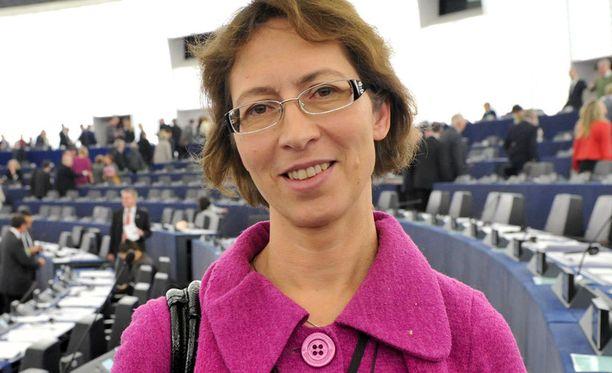 Osa puolueaktiiveista tahtoisi Sari Essayahin Räsäsen paikalle.