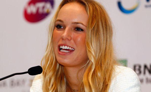 Caroline Wozniacki poseerasi Sports Illustratedin uimapukunumerossa.