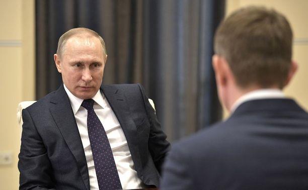 Presidentti Vladimir Putin allekirjoitti lain, joka poistaa perheväkivallan rikoslaista.
