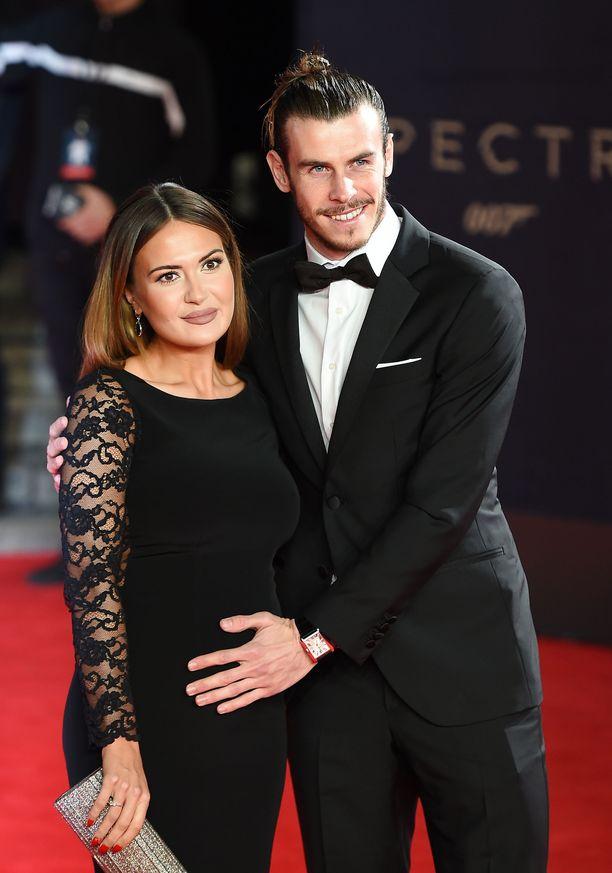 Gareth Bale ja Emma Rhys-Jones poseerasivat yhdessä vuonna 2015.