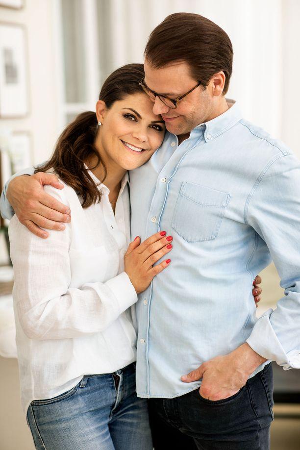 Victoria ja Daniel näyttävät yhä vastarakastuneilta.