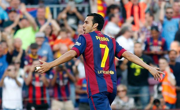 Pedro laukoi Barcelonan toisen osuman komealla saksarilla.