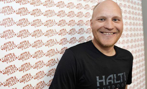 Kalle Palanderia uhkaa 12 päivän vankeus Virossa.