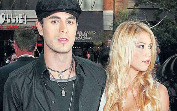ERO TULI! Anna Kournikova ja Enrique Iglesias ovat jälleen eronneet. Aika näyttää, onko kyseessä tällä kertaa pysyvä ratkaisu.