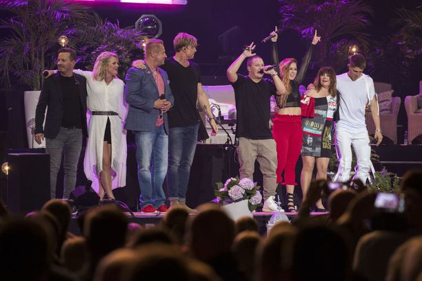 Kuudennen Vain elämää -kauden tähdet nousivat myös Hartwall-areenan konserttilavalle elokuussa 2017.