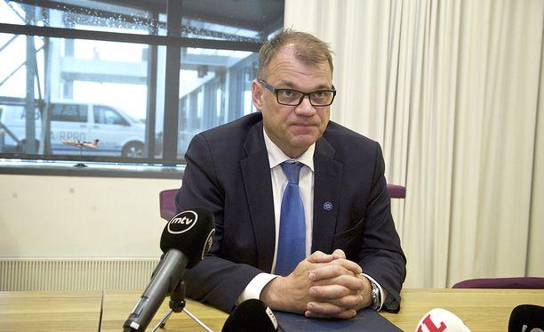 Juha Sipilä ottaa kantaa Finnair-kohuun sanomalla, että palkitsemisohjeesta pitäisi keskustella valtionyhtiöiden seuraavissa yhtiökokouksissa.
