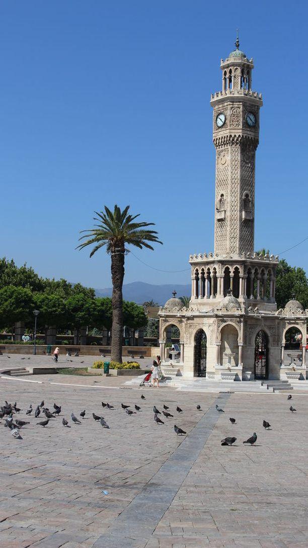 Kellotorni on Izmirin kaupungin symboli.