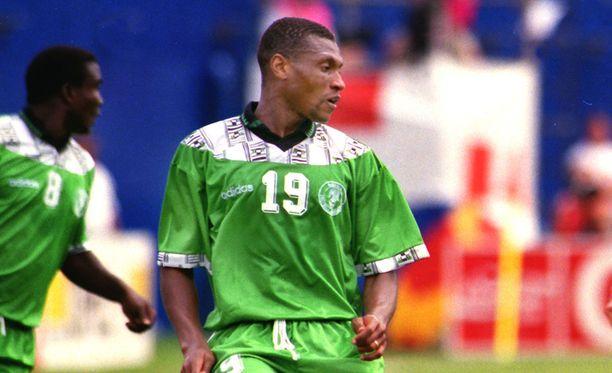 Tällaisissa paidoissa Nigeria pelasi vuoden 1994 kisoissa.