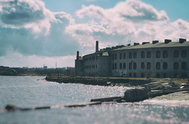 Patarein laaja vankilakompleksi löytyy Kalamajan rannasta. Sinne on lyhyt matka niin Tallinnan satamasta kuin vanhastakaupungistakin.