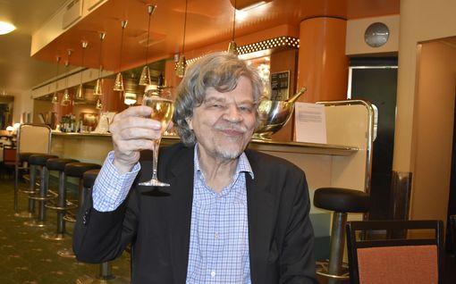 M. A. Numminen täyttää 80 – Harmonikkalaulu vedetään sen kunniaksi