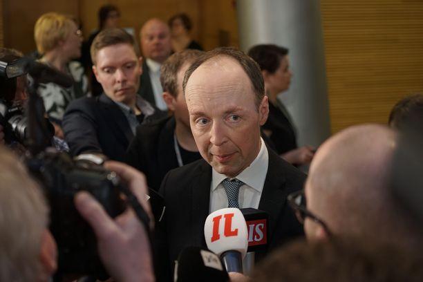 Perussuomalaisten puheenjohtaja Jussi Halla-aho kommentoi puolueensa ennakkoäänitulosta todella hyväksi.