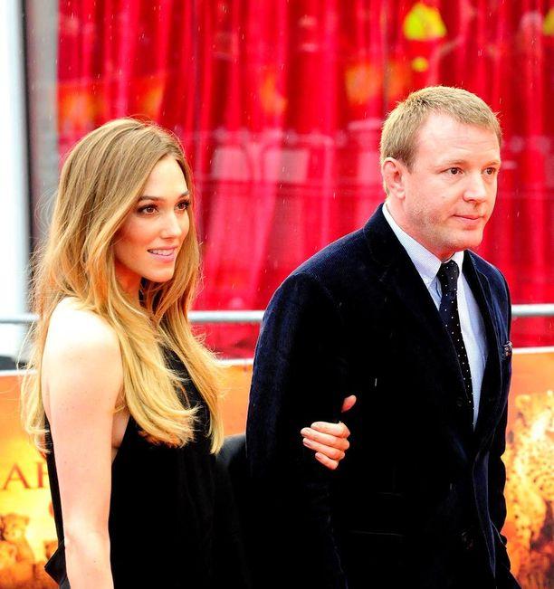 Guy Ritchiellä on uuden puolisonsa Jacqui Ainsleyn kanssa kolme lasta.
