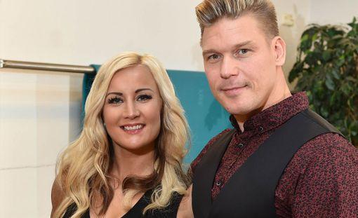 Aki ja Rita Manninen osallistuivat Temptation Island Suomi-ohjelmaan vuonna 2015.