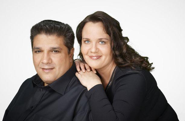 Sebastian Ahlgren keikkailee toisinaan myös vaimonsa Anrin kanssa.