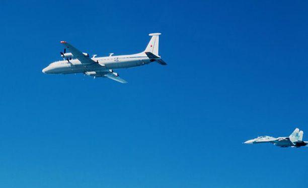 Ilmavoimien mukaan viime päivinä Suomen lähistöllä on lentänyt poikkeuksellisen paljon venäläiskoneita.