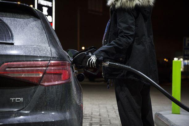 Uusia EU6-tason dieseleitä ylistetään, mutta vanhemmatkin dieselit tuottavat vähemmän CO2-päästöjä kuin bensiinimoottorit.