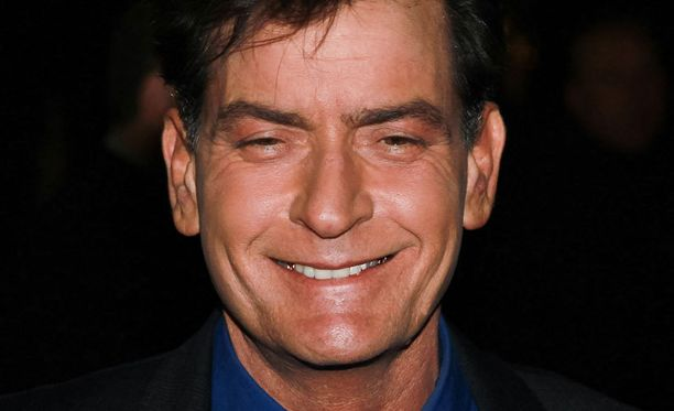 Charlie Sheen kertoi perheenlisäyksestä tv-haastattelussa.