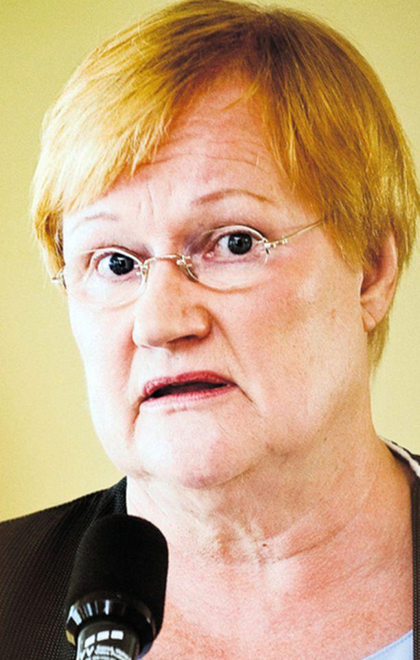 """Tarja Halonen puhui eilen arvojohtajana sivuuttaen ulkopolitiikan """"kovan"""" ytimen."""