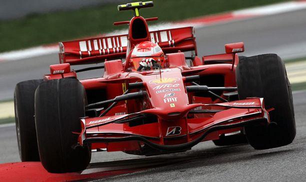 Michael Schumacher tykitti maanantaina nopeamman ajan kuin Kimi Räikkönen.