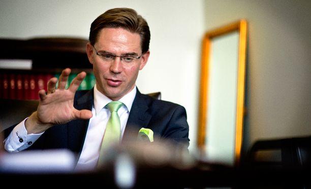 Jyrki Kataisen mukaan presidentti Niinistö painotti keskusteluissa sitä, kuinka nykyinen sodankäynti on muuttunut hybridisodaksi.
