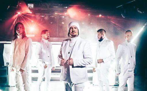 Happoradion uusi single vie kotibileisiin, musiikkivideon pelasti Evelinalta lainattu esine: Katso video