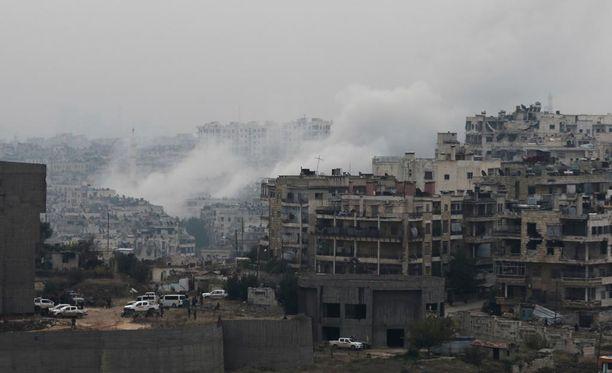 Venäjä ja Kiina käyttivät veto-oikeuttaan maanantaina, kun YK:n turvallisuusneuvosto äänesti seitsemän päivän humanitaarisesta tulitauosta Syyrian Aleppoon.