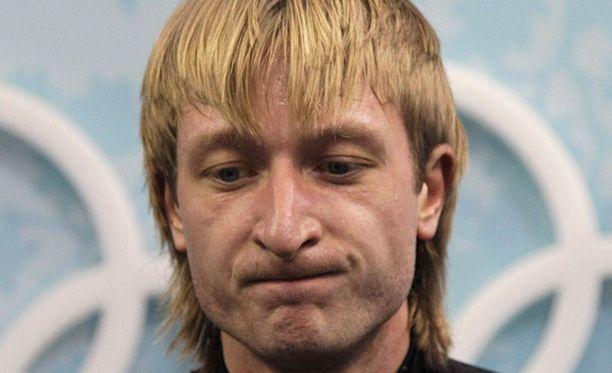 Jevgeni Plushenkon palkintokaapista löytyy muun muassa olympiakulta, kaksi olympiahopeaa ja kolme MM-kultaa.