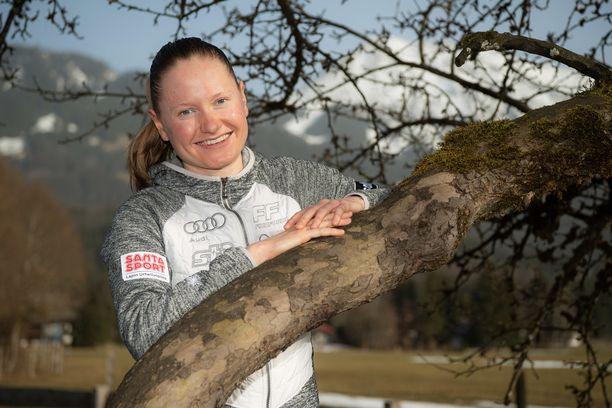 Johanna Matintalo on perinteisen hiihtotyylin ja Kläbo-tekniikan erikoisosaaja.