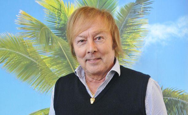 Danny kommentoi huhuttua romanttista suhdetta tangokuningatar-Erikaan.