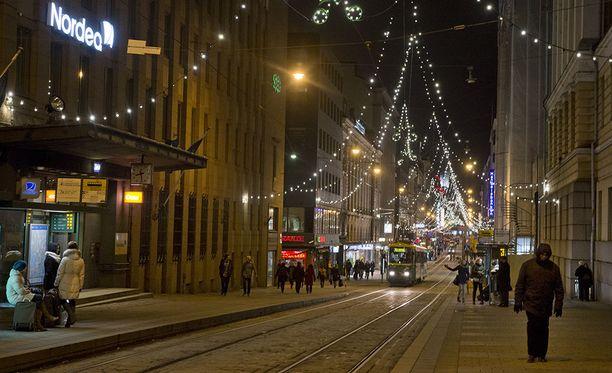 Vuoden 2013 joulu oli aivan lumeton Helsingin keskustassa, kuten myös joulut vuosina 2015 ja 2016.