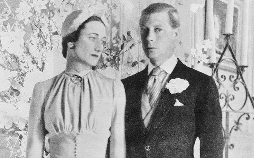 Kohuttu salasuhde tänään tv:ssä: Wallis Simpson aikoi jättää Edvardin - kuningas uhkasi tappaa itsensä