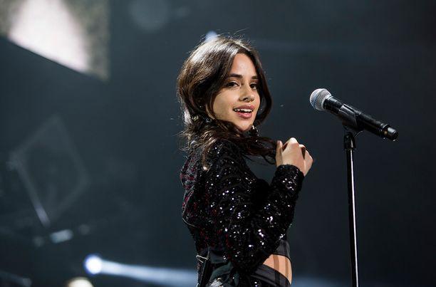 Camila Cabello, 22, on amerikankuubalainen laulaja-lauluntekijä. Cabello tuli tunnetuksi X Factor -ohjelman myötä.