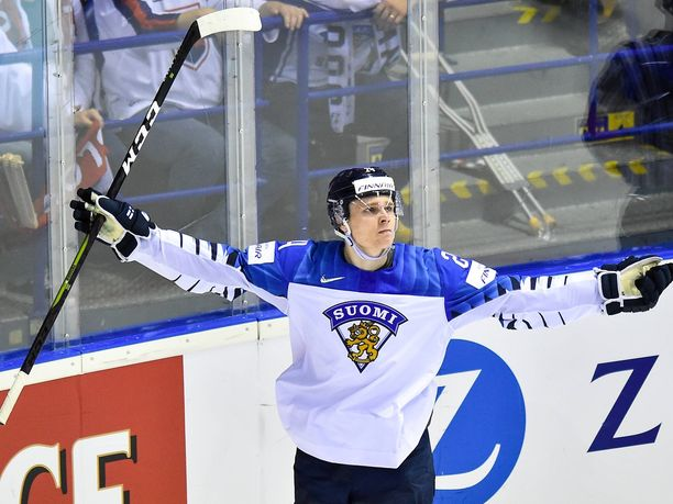 Kaapo Kakko teki kahteen ensimmäiseen MM-turnausotteluun yhteensä viisi maalia, mutta maanantain USA-ottelussa superlupaus jäi tehopisteittä.