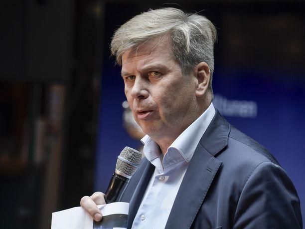 Heikki Hiltunen ei ole huolissaan Sportin taloustilanteesta.